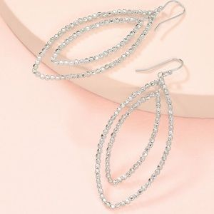Stella and dot Bardot earrings